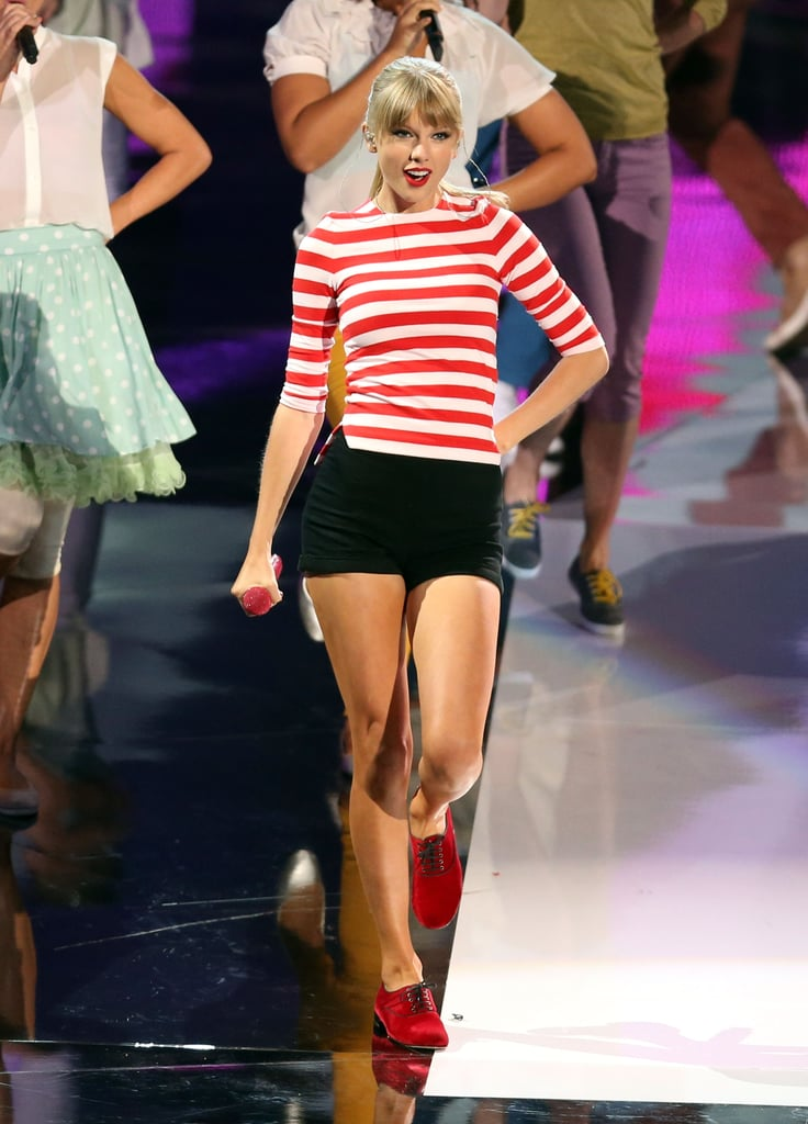 Taylor Swift performed a cute routine in 2012.
