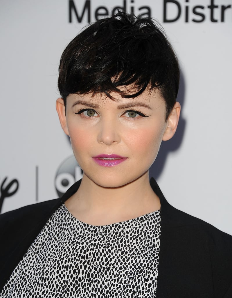 When you think of pixie cuts, you think of Ginnifer Goodwin, and the actress is adept at pairing her makeup with the look.