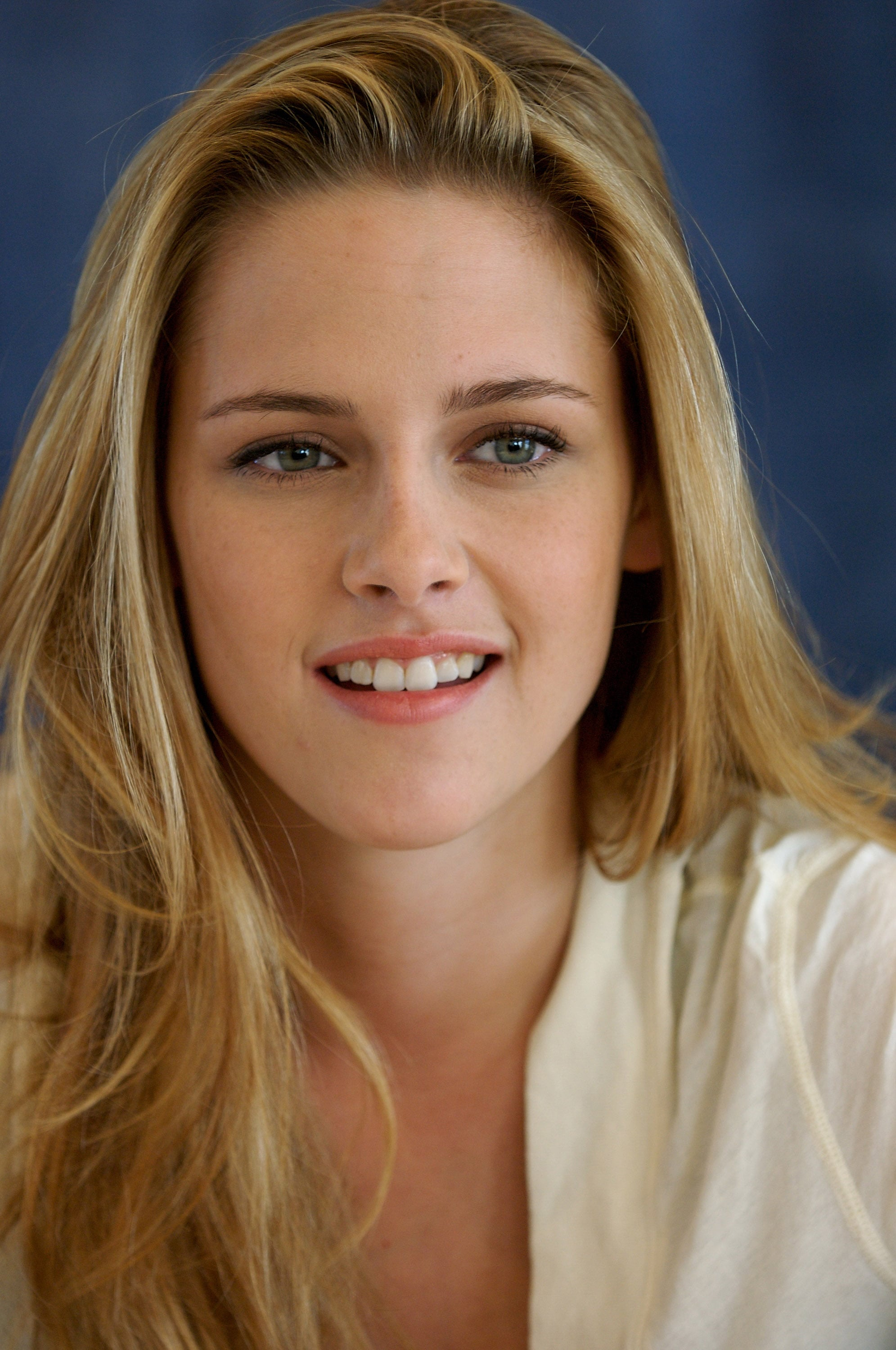 Kristen Stewart showed off her blond hair at the Into the Wild press conference in Beverly Hills in September 2007.