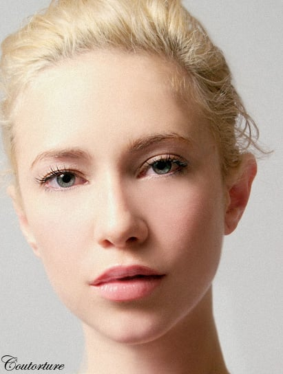 How To Apply A Neutral Glowing Face With Simple Beauty Techniques
