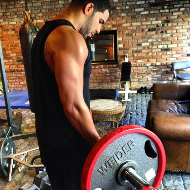 Drake showed off his weightlifting skills while preparing for his next tour. Source: Instagram user champagnepapi