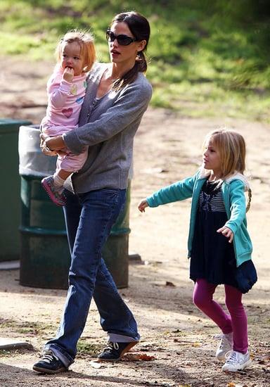 Pictures of Jennifer Garner, Violet Affleck, and Seraphina Affleck at Soccer Practice in LA