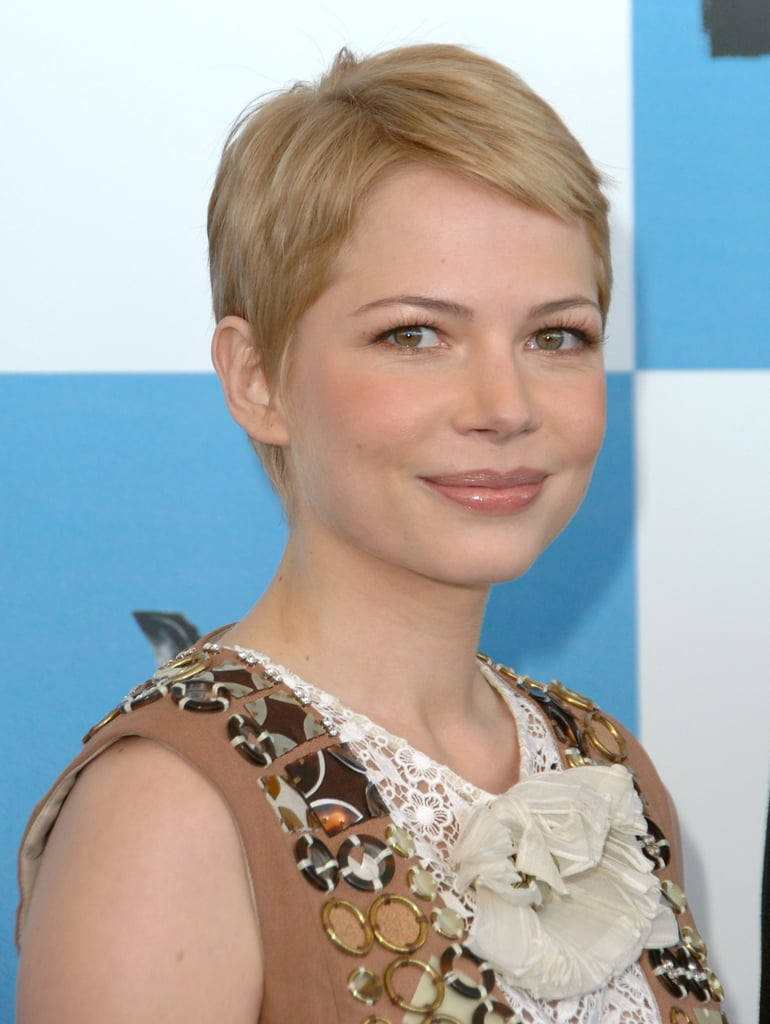 Back in 2007, Michelle went more gamine with her pixie style, opting for tightly cropped layers.