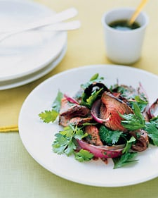 Fast & Easy Recipe For Grilled Sirloin Salad With Cilantro