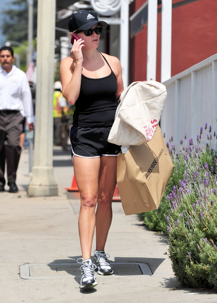 Reese Witherspoon left James Perse with a new purchase.