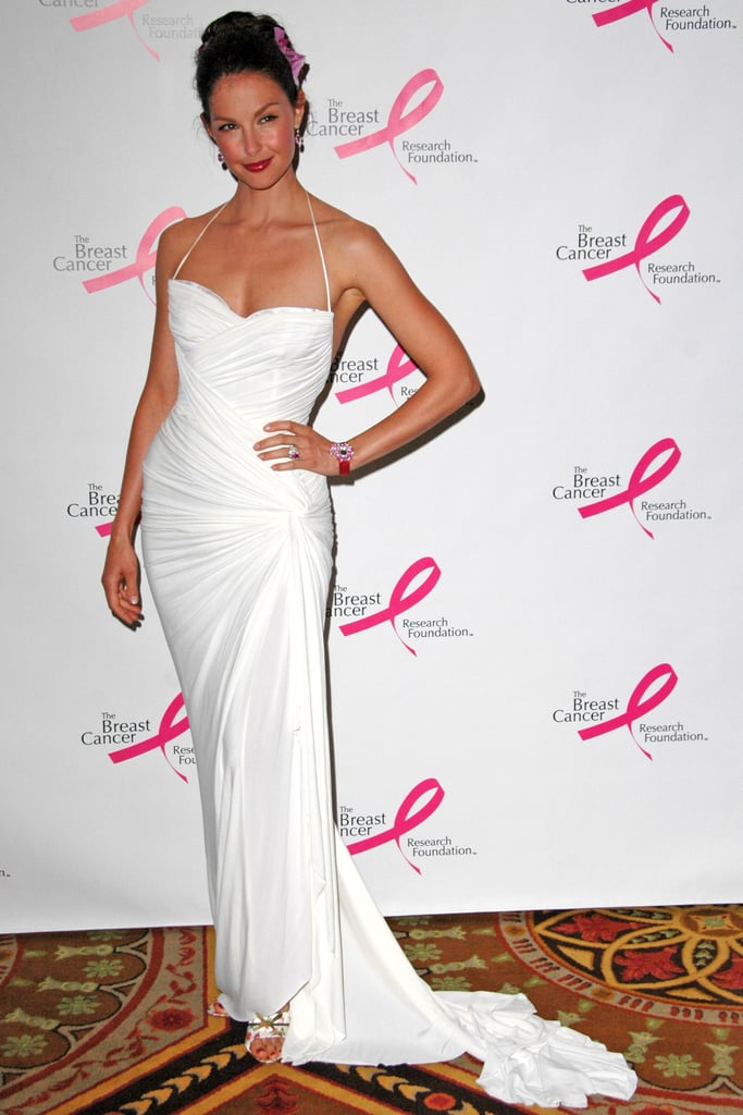 Ashley Judd wore a sleek white dress for the Very Hot Pink Party in April 2006 in NYC.