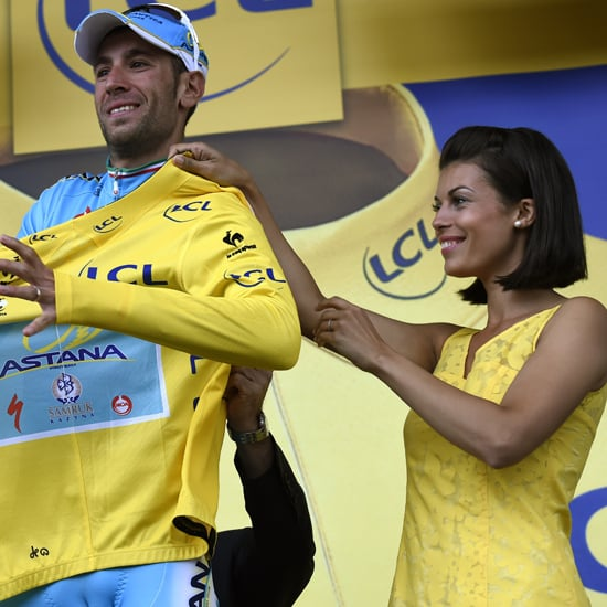 Vincenzo Nibali Tries to Kiss Podium Girl | Video