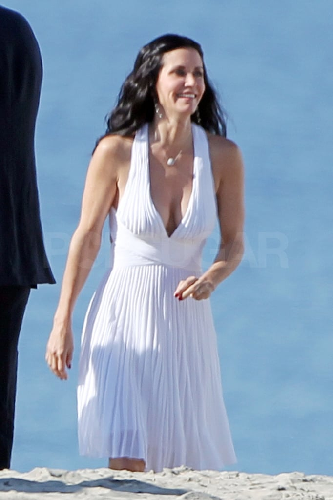 Courteney Cox was all smiles on set.