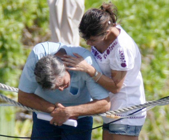 Picture Slide of George Clooney and Elisabetta Canalis in Hawaii