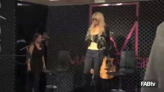 Taylor Momsen Performs Make Me Wanna Die with band Pretty Reckless