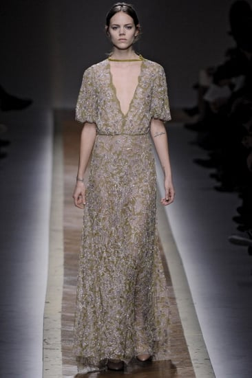 Fall 2011 Paris Fashion Week: Valentino 2011-03-08 14:50:46