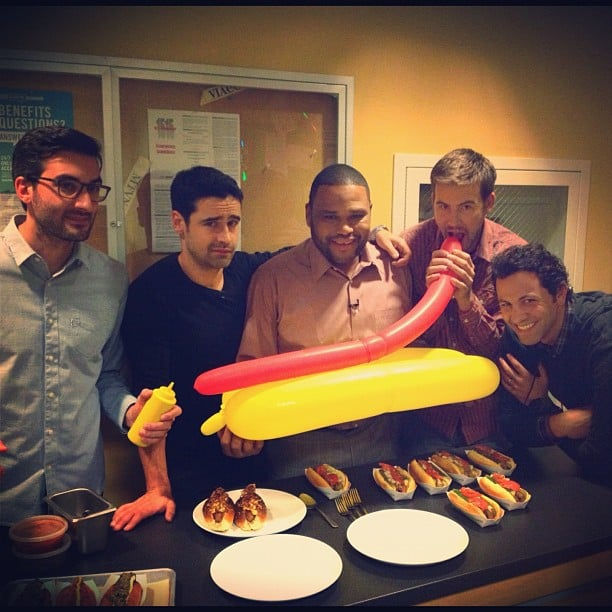 The cast of Guys With Kids ate hot dogs during a visit to VH1 studios.  Source: Instagram user vh1