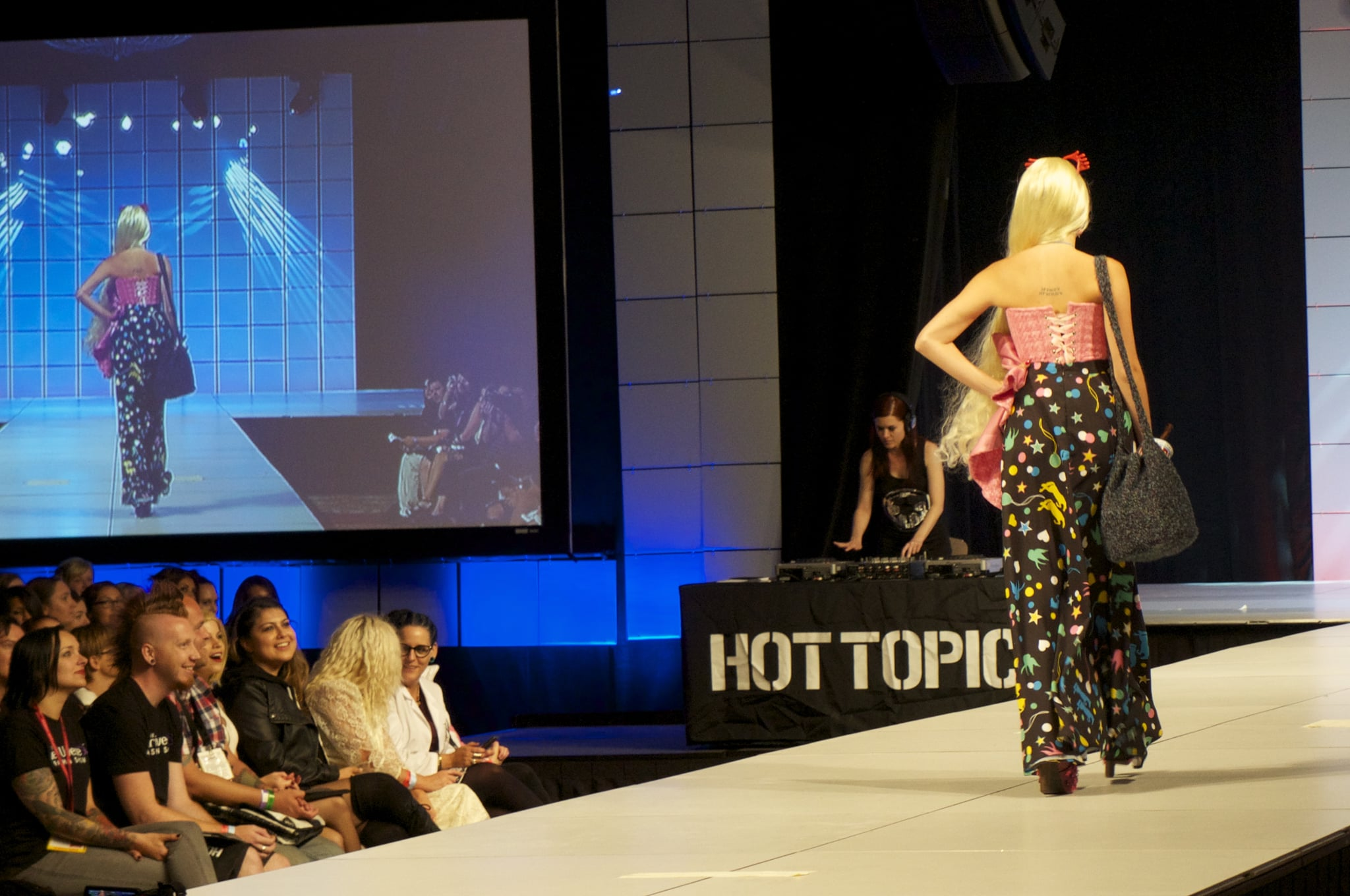 The skirt detail was so perfectly wacky and Luna. I loved that this outfit had a hippie '70s vibe. Photo: Nicole Nguyen