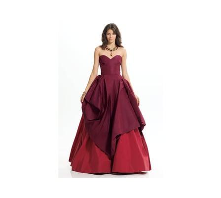 Oscar de la Renta - Sweetheart Neckline Gown ($8,650)