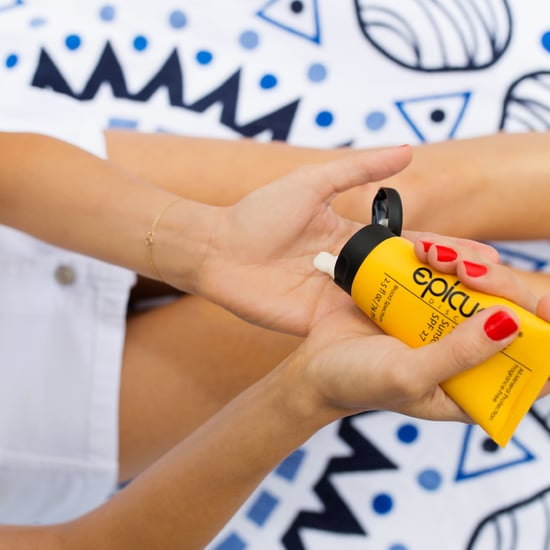 Sunscreenr Shows You How to Apply Sunscreen Correctly