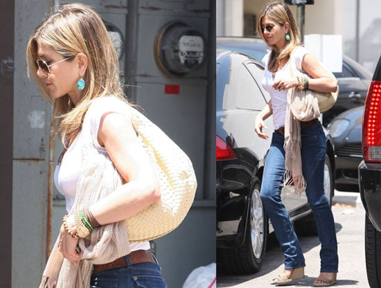 Pictures of Jennifer Aniston in LA —Exclusive Quotes From Brooklyn Decker on Just Go With It