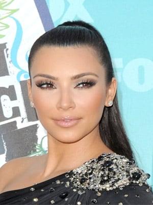 Kim Kardashian at 2010 Teen Choice Awards