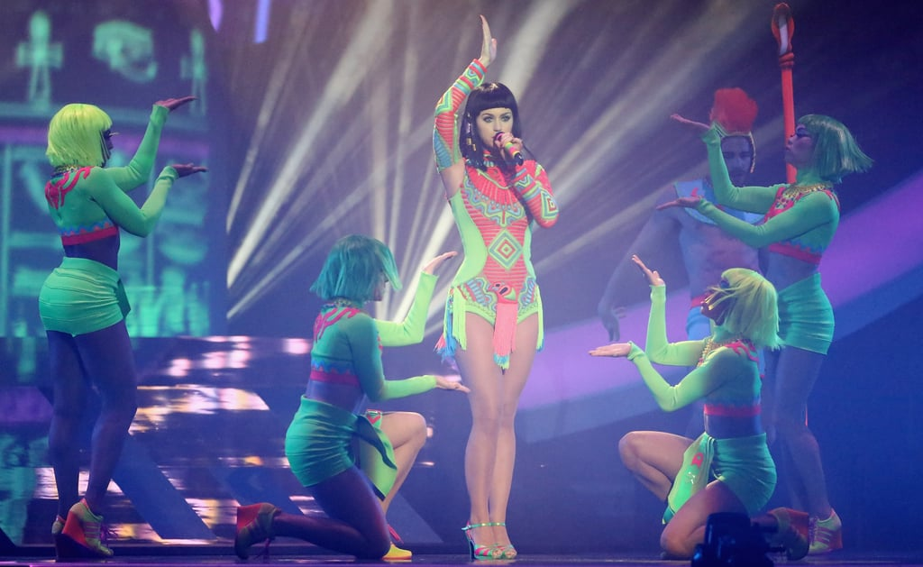 "Katy Perry Dressed as Cleopatra to Perform ""Dark Horse"""