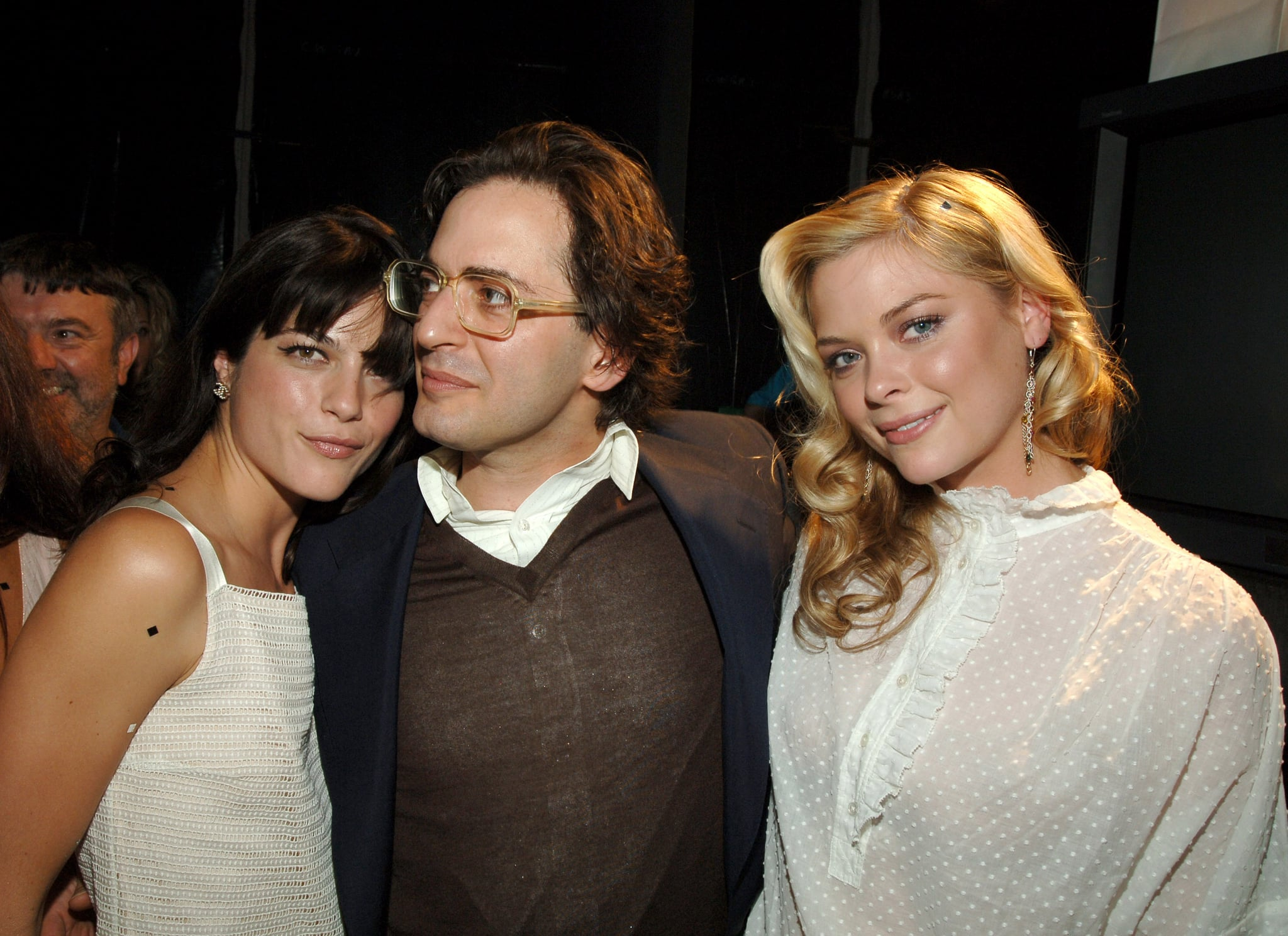 Selma Blair and Jaime King cozied up to Marc Jacobs while backstage at the designer's September 2005 show.