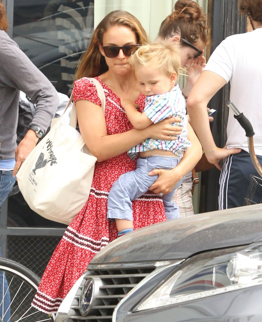 Natalie Portman held on to her son, Aleph.