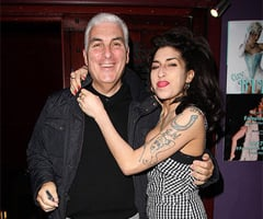 Amy Winehouse's Family Releases Statement About Her Death; Celebrities Pay Tribute to Amy on Twitter