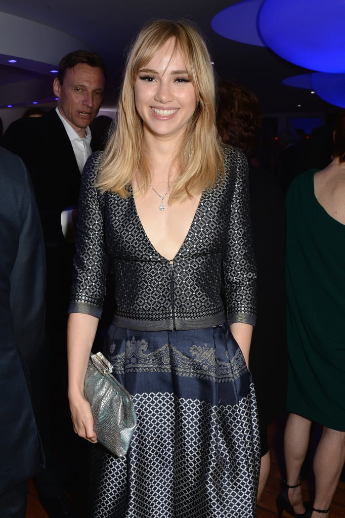 Suki Waterhouse made a solo appearance.