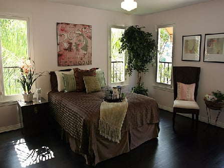 What You're Wanting, Revealed: Johnny Knoxville's Boudoir