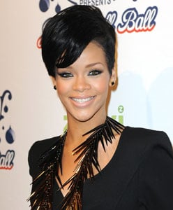 """Rihanna Issues A Statement Telling Fans She """"Remains Strong"""""""
