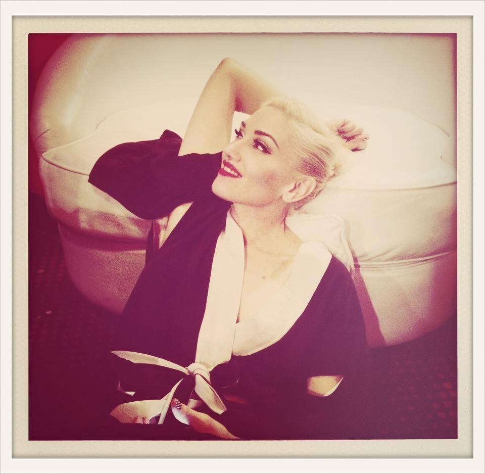 Gwen Stefani relaxed after a big show. Source: Twitter user gwenstefani