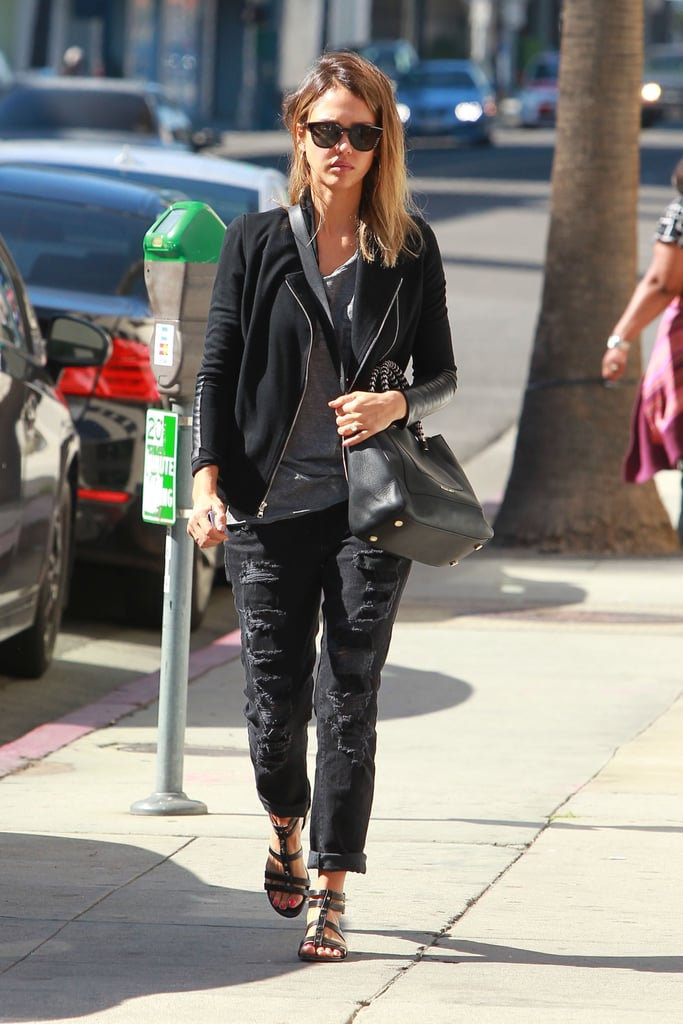 All black and a bit of gray makes for one chic and cozy off-duty ensemble.