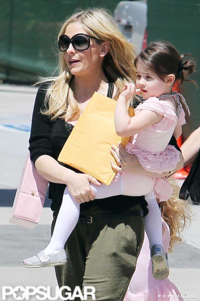 Pregnant Sarah Michelle Gellar Steps Out With Her Ballerina Charlotte