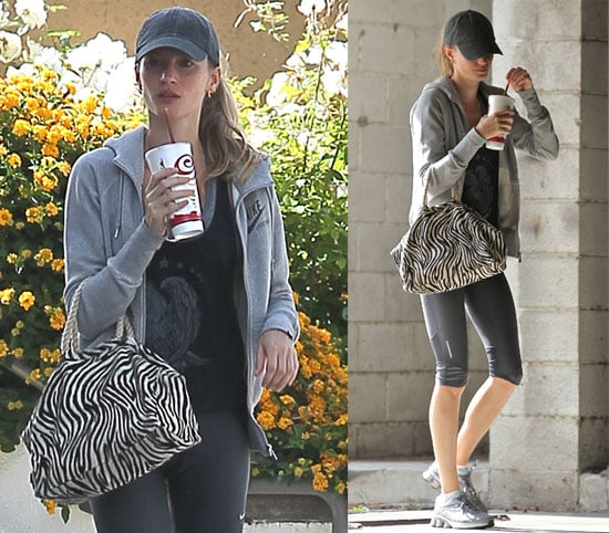 Pictures of Gisele Bundchen Drinking Jamba Juice in LA