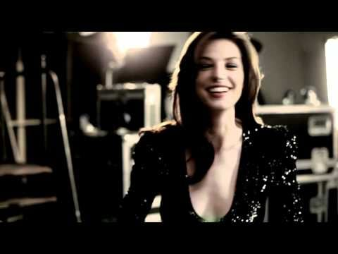 Behind The Scenes Video: Daria Werbowy Teams Up With Betty Boop For Lancome