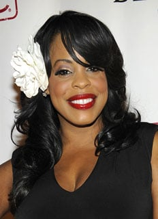 Niecy Nash's Floral Hair Accessory Line