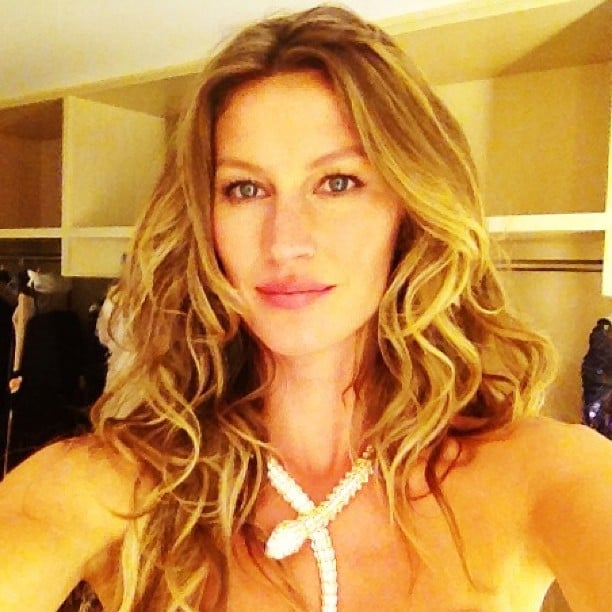 Gisele Bündchen shared a glamorous selfie with her followers. Source: Instagram user giseleofficial