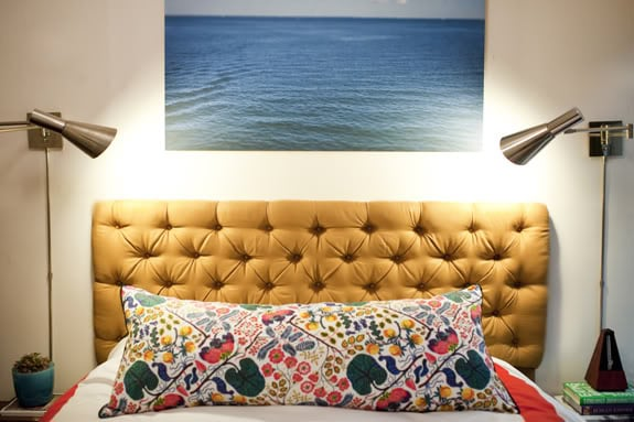 There are several ways to approach a DIY Tufted Headboard but we're anxious to try this one.  Source: Little Green Notebook