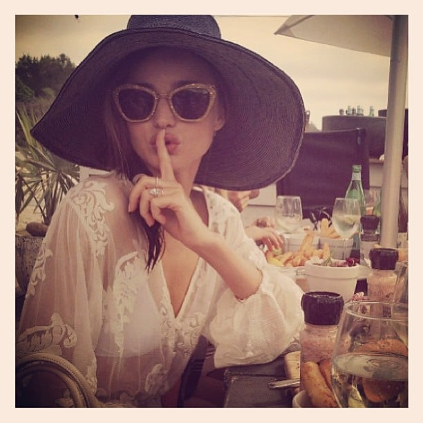 Miranda Kerr wore an oversize hat and sunglasses while vacationing in Australia. Source: Twitter user MirandaKerr