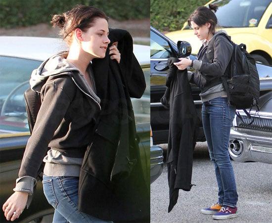 Photos of Kristen Stewart in LA 2009-10-29 20:29:14