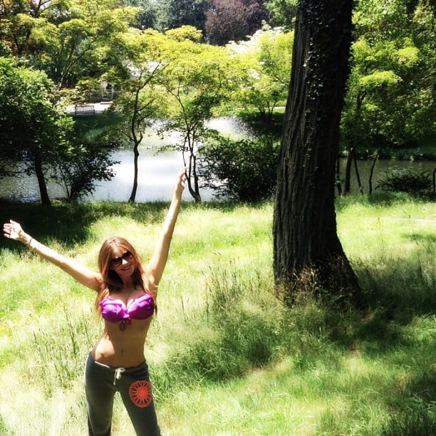 Sofia flashed her abs by a tree in 2013. Source: Instagram user sofiavergara