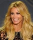 Faith Hill wore her shiny blonde hair down.