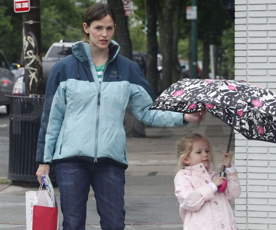 Slide Photo of Jennifer Garner and Violet Affleck in Boston While Raining