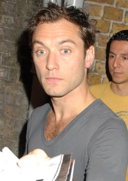 Lil Links: Jude Law to Be a Daddy Again
