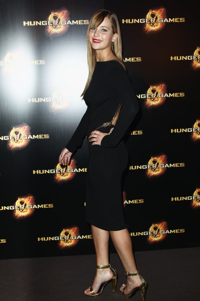 If you look closely, you can see how the gold zipper swirled around Jennifer's waist.