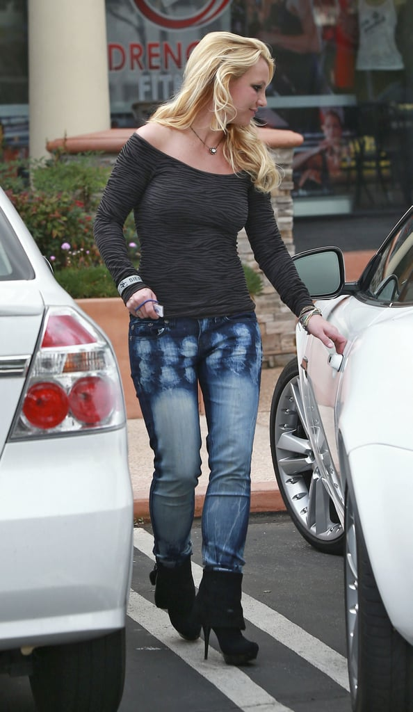 Britney Spears stopped by a salon in Westlake, CA.
