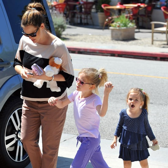 Jennifer Garner Nail Salon Pictures With Violet & Seraphina