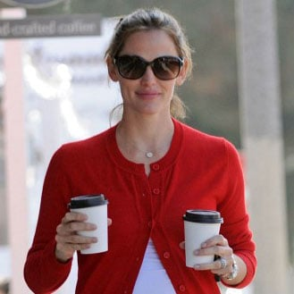 Pregnant Jennifer Garner Runs Errands in Brentwood Pictures