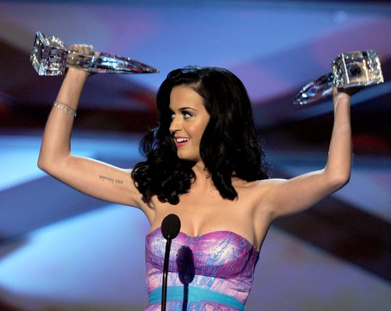 Fab Recap: Including All of the 2011 People's Choice Awards Pics Of Kristen Stewart, Katy Perry and Leighton Meester