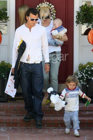 Lil Links: Grandma Rossdale Likes Some of the Paps' Pics