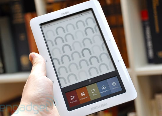 Daily Tech: Hands on With Barnes & Noble's Nook