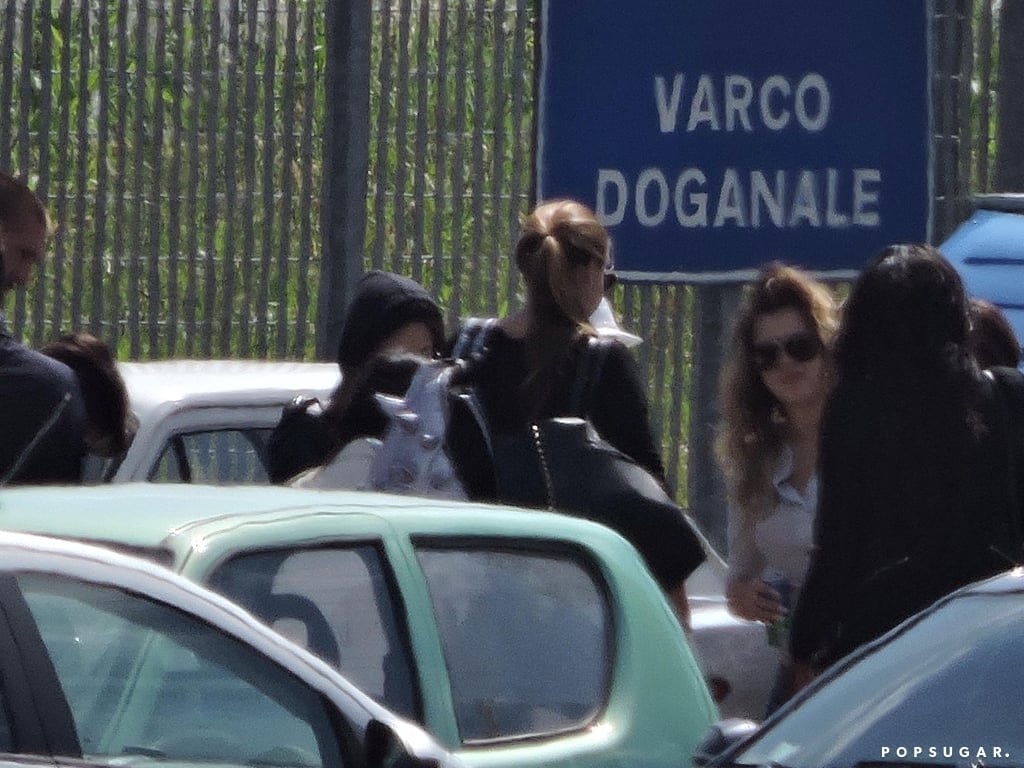 Khloé chatted with her family after landing in Florence.
